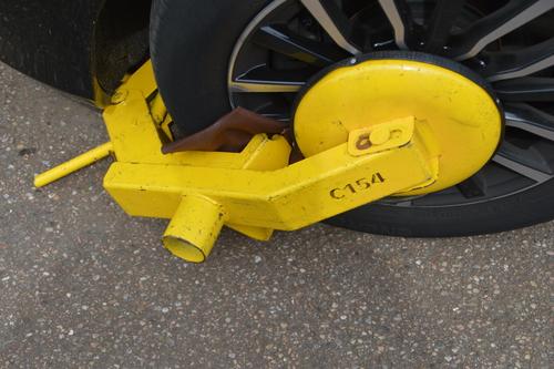 motorhome wheel clamp